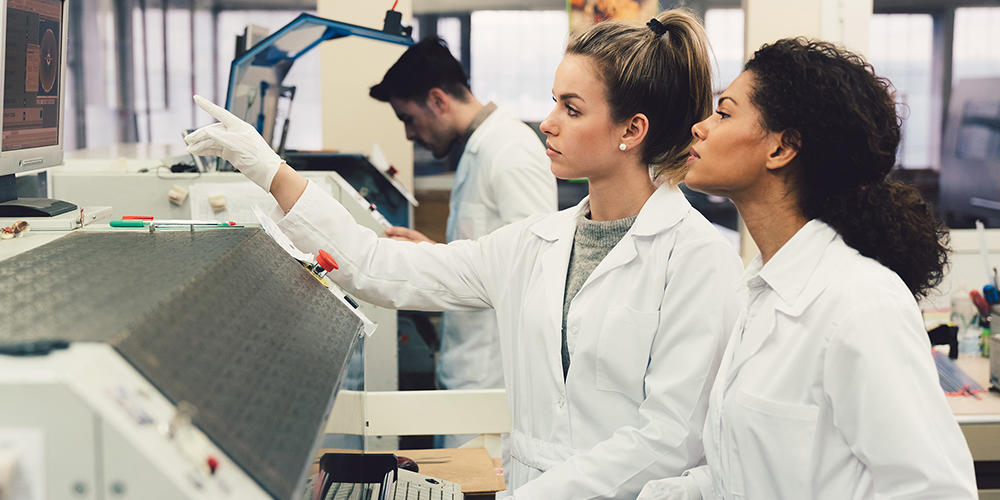 Women working in a laboratory, innovation image.